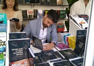Firma de libros Raul Ruiz de la Parte 3